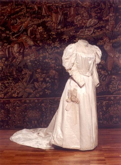 Venčana haljina nošena oko 1890. godine