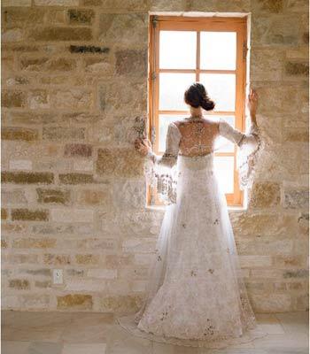 čipkasta venčanica sa dugim rukavima