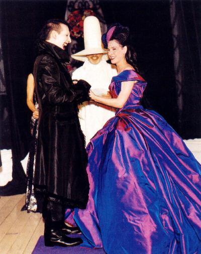 Merlin Menson i Dita von Tiz na venčanju