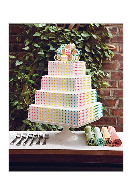 jedinstvena mladenačka torta u duginim bojama