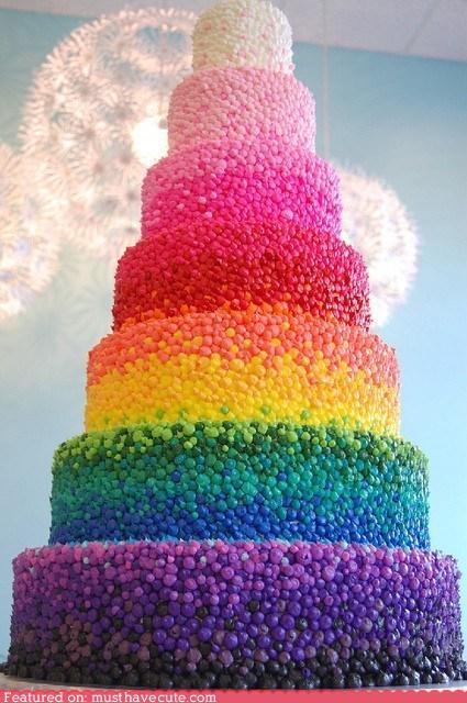 mladenačka torta u duginim bojama