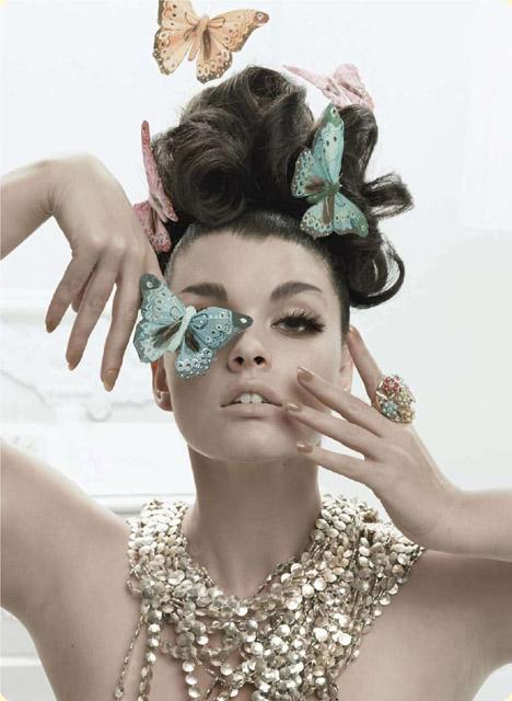 frizura sa ukrasnim leptirićima