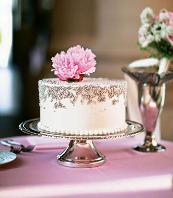 mala mladenačka torta