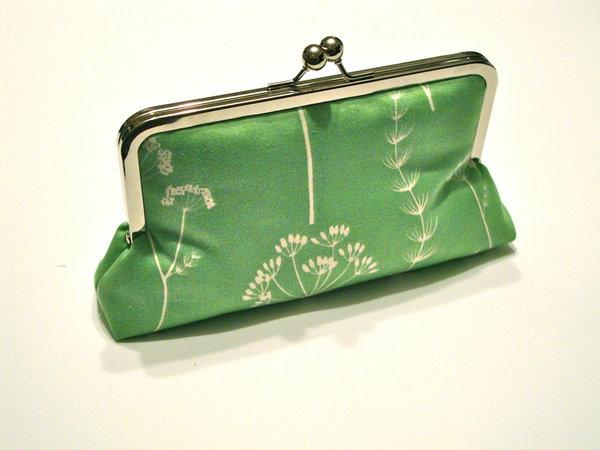 zelena torbica za mladu
