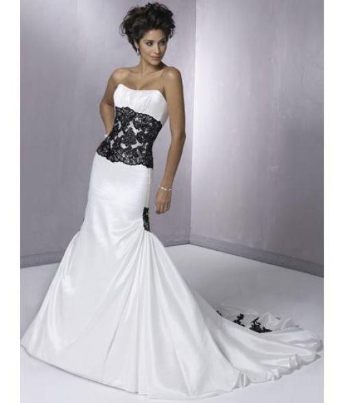 bela venčanica sa crnom čipkom