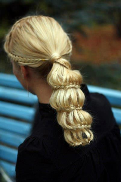 svecana frizura sa pletenicama za vencanje ili maturu