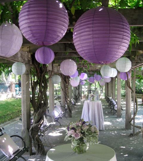 dekoracija venčanja i papirni lampioni