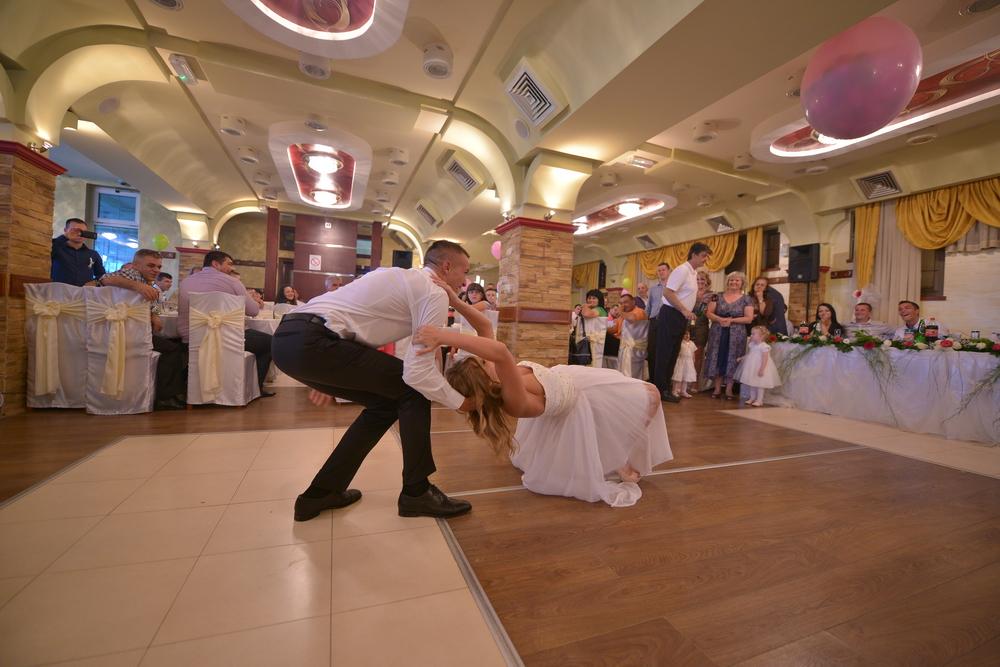mladenacki ples