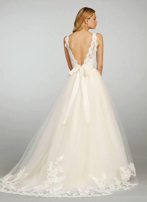 venčanica sa otvorenim leđima