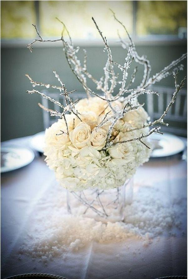 cvetni aranžman za novogodišnje venčanje