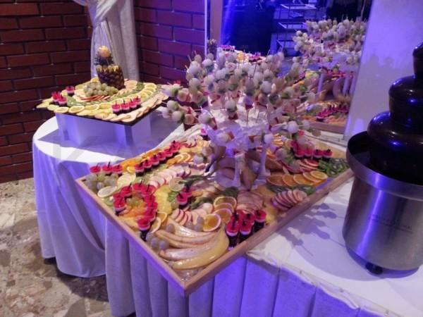 dekorisani voćni sto